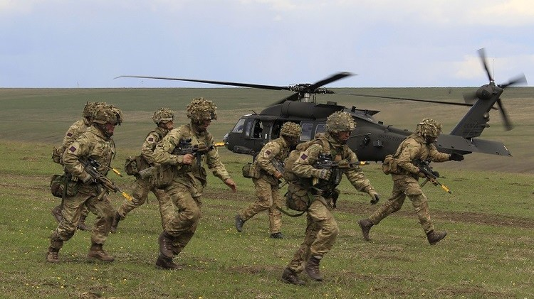 رومانيا توافق على إنشاء قاعدتين عسكريتين لحلف الناتو في أراضيها
