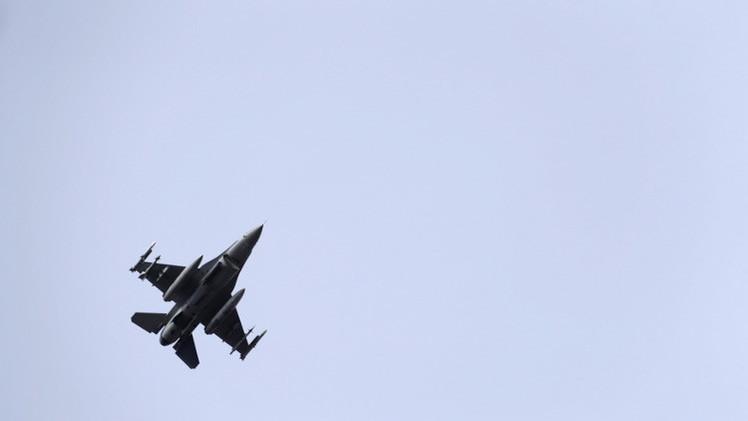 تحطم مقاتلة على متنها طيار عراقي أثناء تدريبات في أريزونا (فيديو)