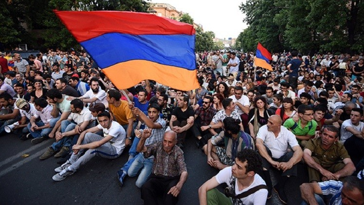 تواصل الاحتجاجات في أرمينيا على زيادة أسعار الكهرباء