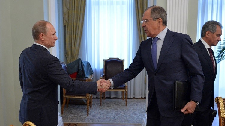لافروف يطلع بوتين ومجلس الأمن الروسي على نتائج لقاء
