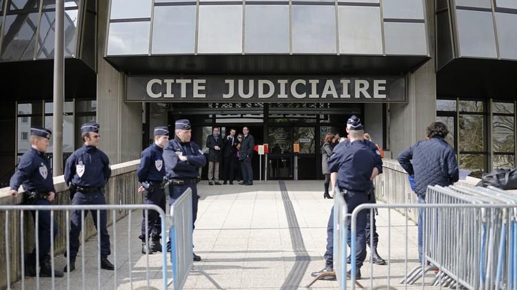 القضاء الفرنسي يتهم 8 أشخاص بالارتباط بشبكات متطرفة في سوريا