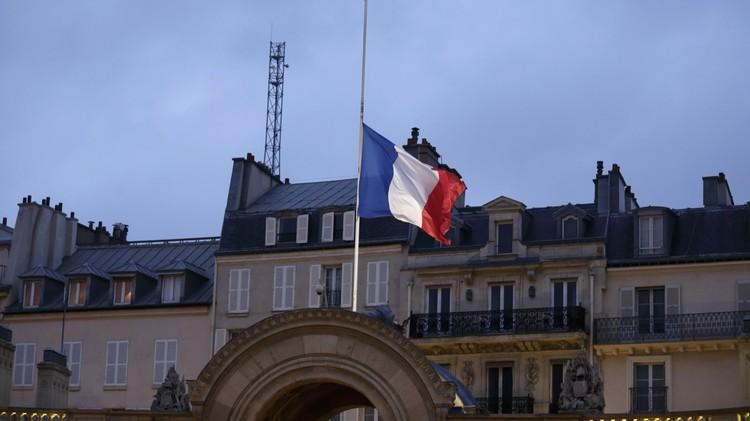 باريس: 473