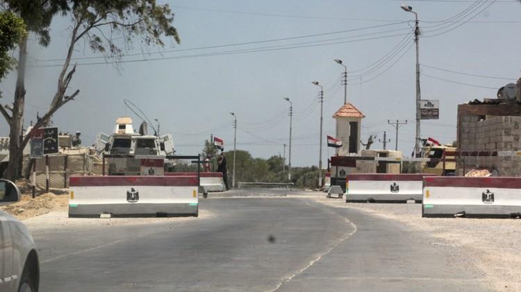 مقتل وإصابة 15 شخصا بتفجير عبوة ناسفة في شمال سيناء