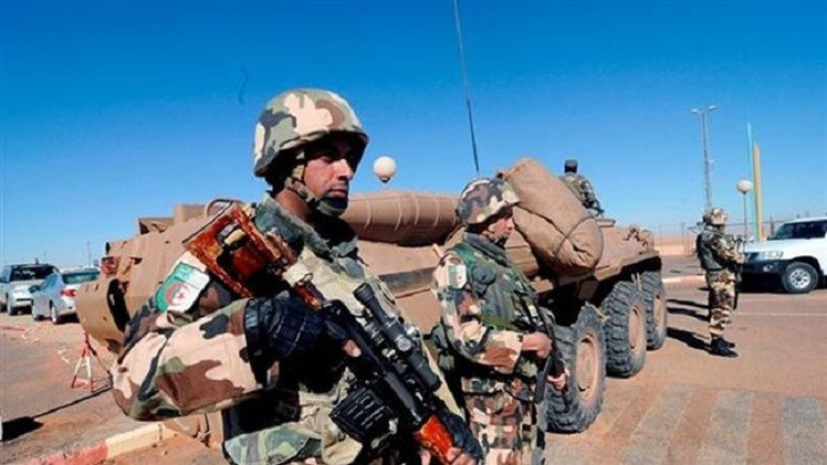 نشر 25 ألف جندي جزائري على الحدود مع تونس