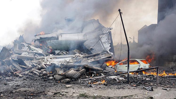ارتفاع حصيلة ضحايا تحطم طائرة النقل العسكري الإندونيسية إلى 140 قتيلا  (فيديو)