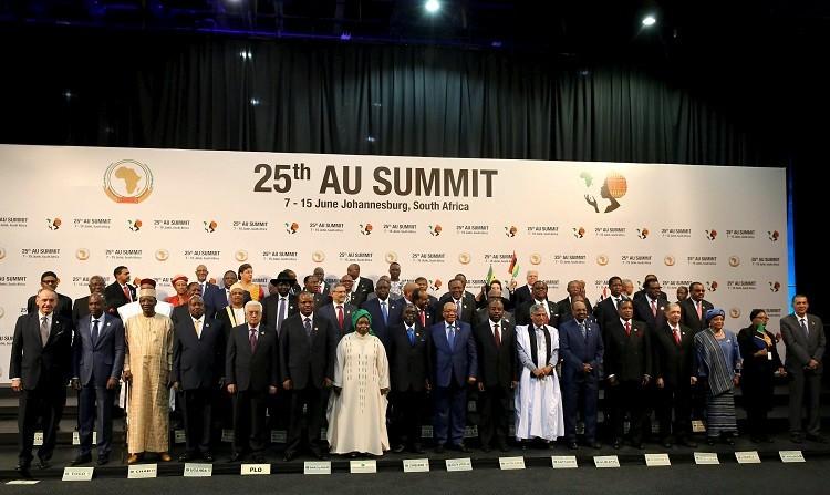 السودان: زيارة البشير لجنوب إفريقيا تجري بصورة طبيعية وسيعود إلى الخرطوم بعدها