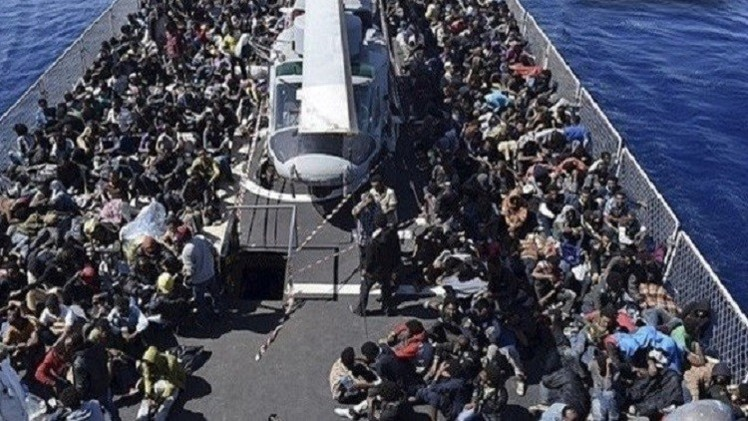 ليبيا... حكومة طبرق تهدد السفن الأوروبية في حال انتهاكها المياه الإقليمية