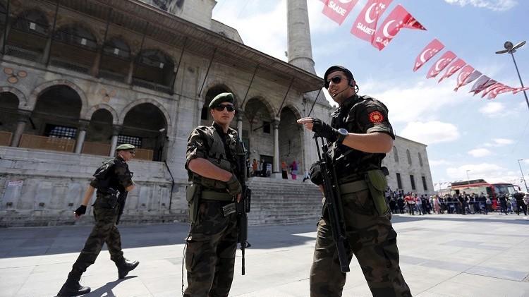 القوات التركية تعتقل 7 أشخاص يشتبه بانتمائهم إلى