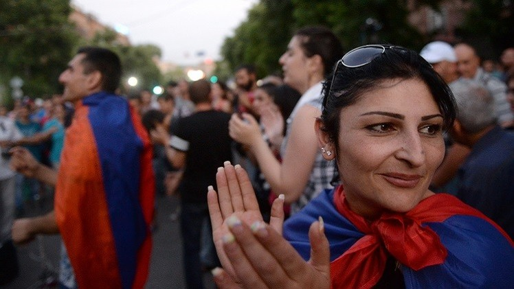 أرمينيا.. الشرطة تدعو المحتجين إلى إخلاء شارع باغراميان وسط يريفان