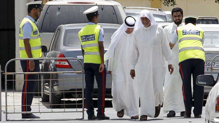 البحرين تطلق برنامج إشراك متطوعين أمنيين لحماية دور العبادة في المحافظة الجنوبية