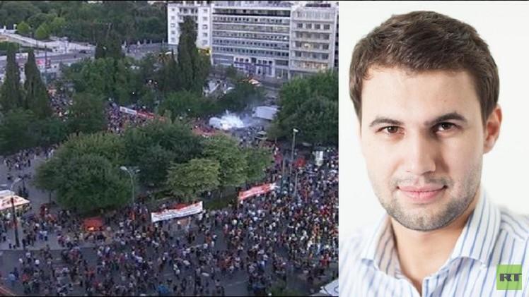 إصابة مراسل RT خلال تفريق الشرطة اليونانية تظاهرات بالعاصمة أثينا