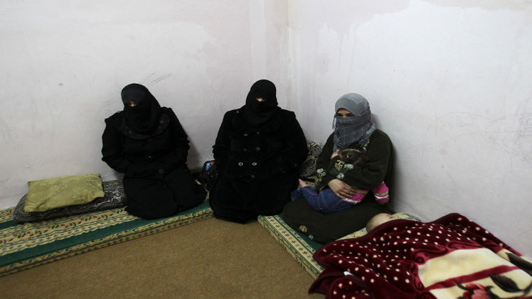 سوق داعش للنخاسة.. بيع سبايا  في الفلوجة