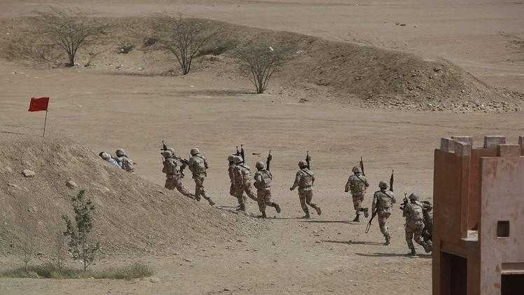 الجيش الباكستاني يقتل 12 مسلحا على الحدود مع أفغانستان