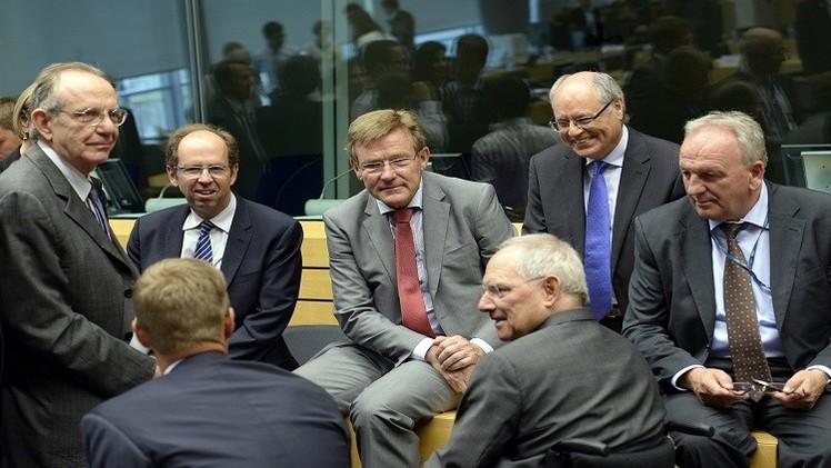 بعض وزراء مالية منطقة اليورو خلال اجتماع مجموعة اليورو في بروكسل في 7 يوليو 2015