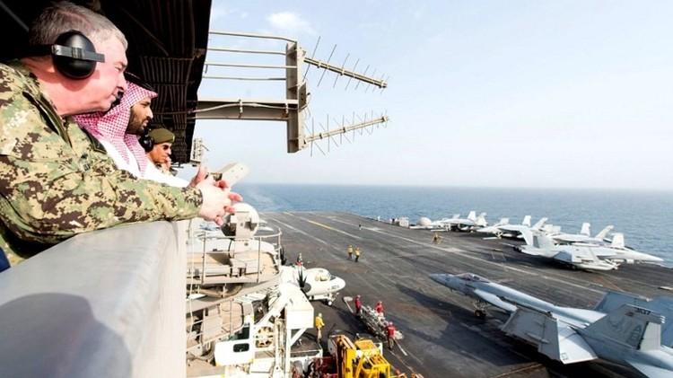 ولي ولي العهد السعودي يزور حاملة طائرات أمريكية