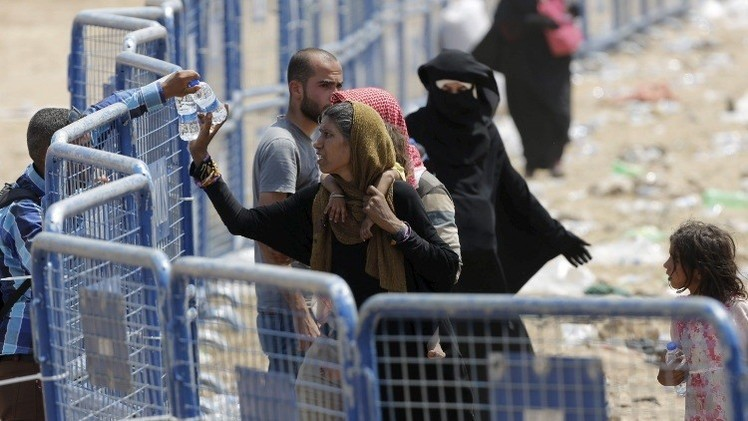الأمم المتحدة: عدد اللاجئين السوريين بدول الجوار تجاوز 4 ملايين
