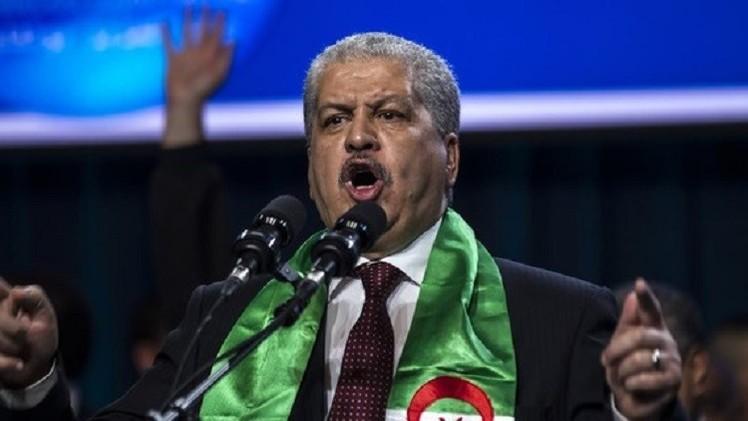 رئيس الوزراء الجزائري يحذر من المساس بوحدة بلاده