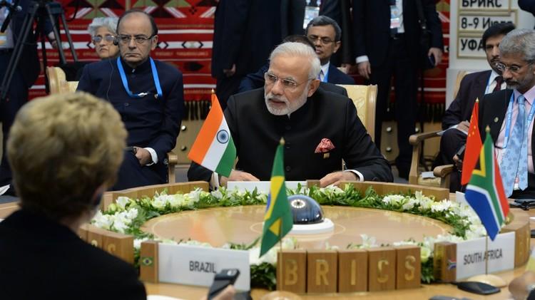 رئيس وزراء الهند يقترح إقامة بطولة مجموعة دول