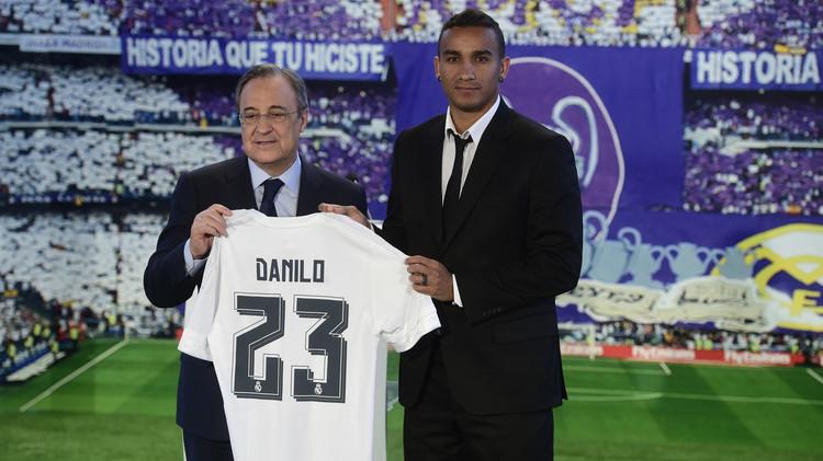 رسميا .. دانيلو بقميص بيكهام رقم 23 في ريال مدريد (صور)