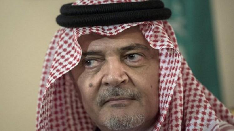 دموع الأمير السعودي تركي الفيصل على وداع شقيقه تملأ مواقع التواصل الاجتماعي