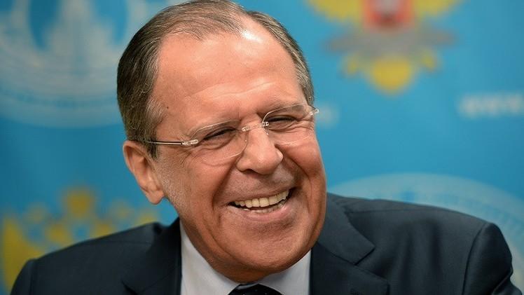الخارجية الروسية تغازل متابعيها في فيسبوك بقبلة من لافروف (فيديو)