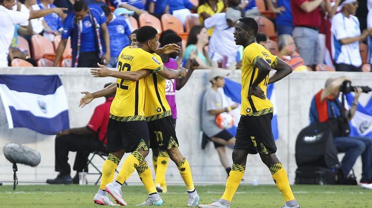 فرحة لاعبي جامايكا بعد تسجيل هدف الفوز
