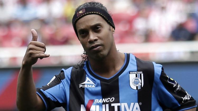 رونالدينيو يوقع لنادي فلومينيسي البرازيلي