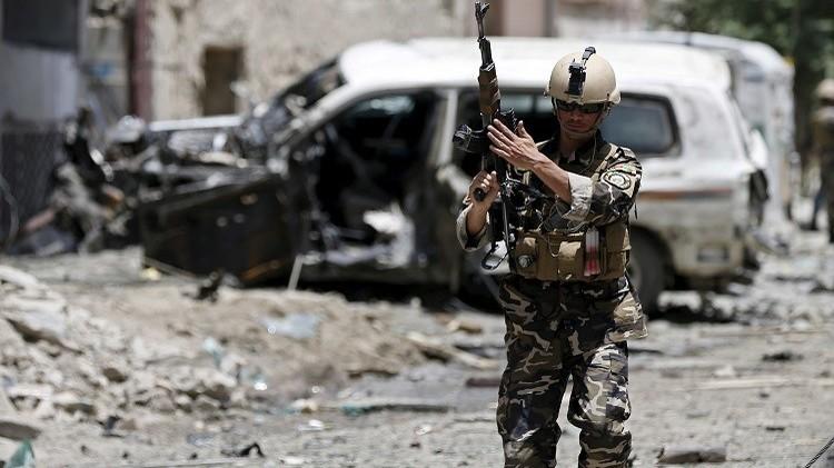 18 قتيلا على الأقل في هجوم انتحاري قرب قاعدة عسكرية بأفغانستان