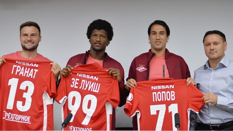 سبارتاك موسكو يقدم لجماهيره ثلاثة لاعبين وقميصه الجديد (صور)