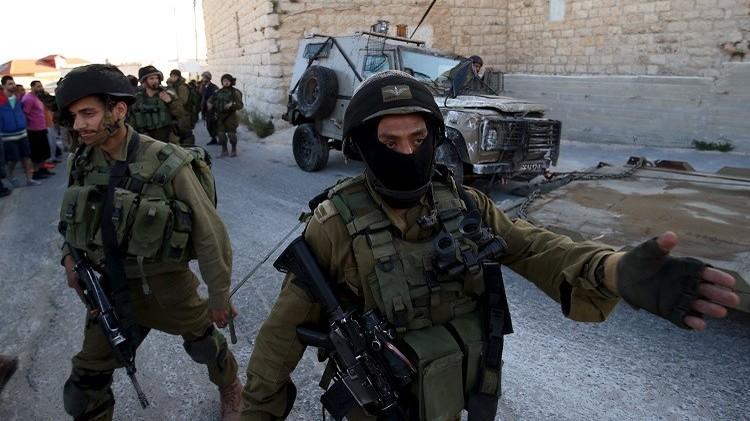 الشرطة الإسرائيلية تعتقل فتاة فلسطينية في الضفة الغربية بعد طعنها لجندي إسرائيلي