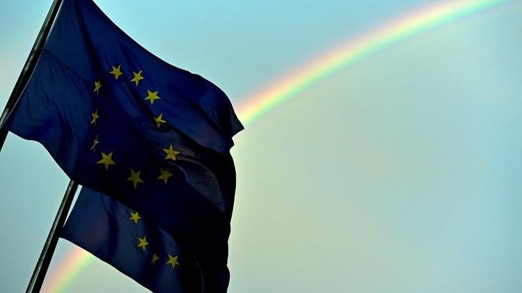 الاتحاد الأوروبي يحث روسيا على عدم فرض عقوبات ضد منظمات أجنبية غير ربحية