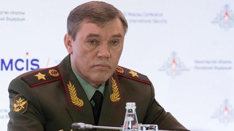 رئيس الأركان الروسي يبحث مع مساعد وزير الدفاع السعودي آفاق التعاون العسكري