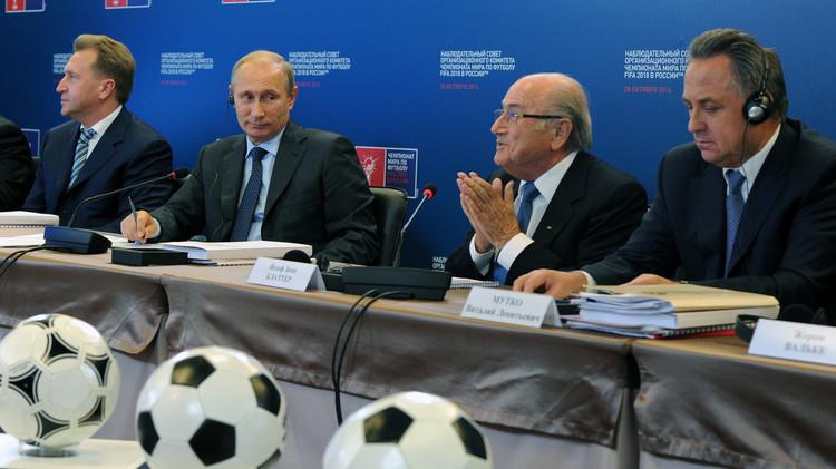 وزير الرياضة الروسي: بلاتر سيحضر قرعة مونديال 2018