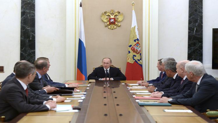 بوتين يناقش اتفاقات مينسك وفيينا في مجلس الأمن الروسي