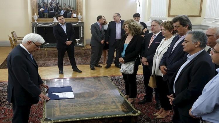 تعديلات وزارية في اليونان وتمويل أوروبي طارئ