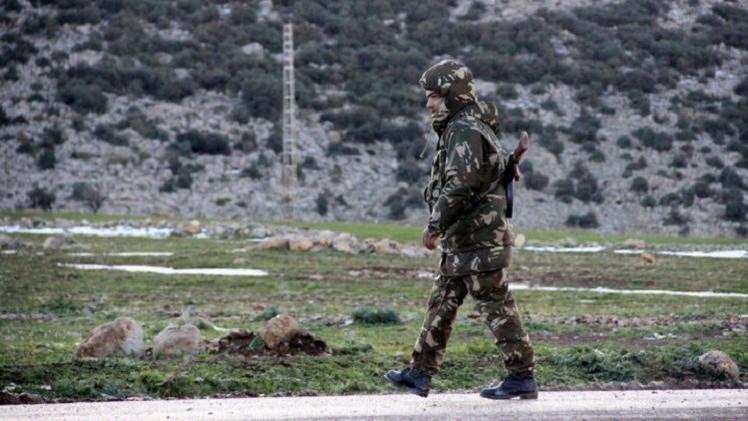 الدفاع الجزائرية تعلن مقتل 9 من جنودها والقاعدة تزعم قتلها 14