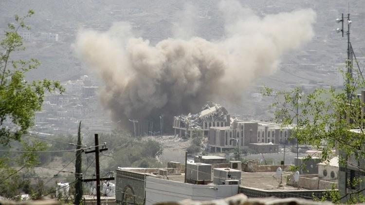 اللجان الشعبية تكثف هجماتها على مواقع الحوثيين شمال عدن
