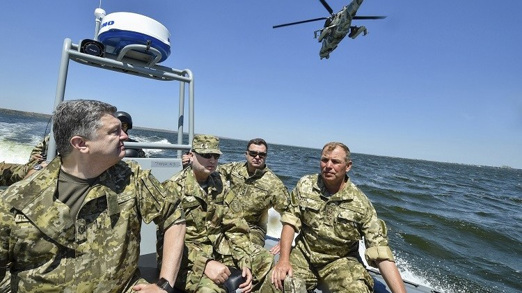 بوروشينكو يرسل وحدات من مشاة البحرية إلى ماريوبول شرق أوكرانيا