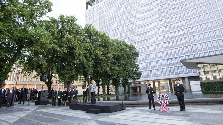 النرويج تحيي ذكرى ضحايا هجومي أوسلو