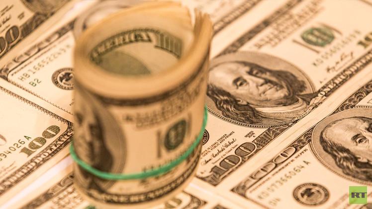 الدولار يعزز مواقعه بعد صدور بيانات أمريكية إيجابية