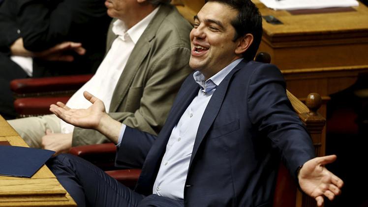 البرلمان اليوناني ينقذ تسيبراس ويتبنى الشق الثاني من الإجراءات التقشفية
