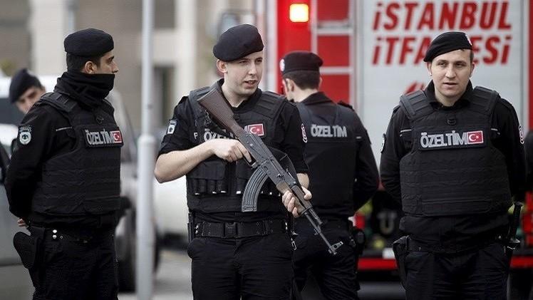 تركيا.. اعتقال 3 متهمين بقتل الشرطيين