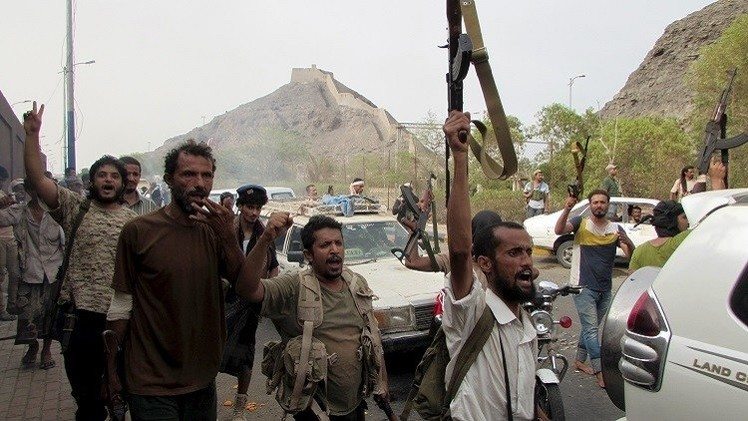 اشتباكات في لحج وغارات التحالف تقتل 30 حوثيا