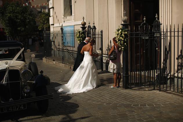 إسبانيا ترفع الحد الأدنى لسن الزواج من 14 إلى 16 عاما
