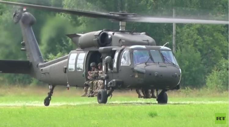 إستونيا.. تدريبات عسكرية بمشاركة مظليين أمريكيين (فيديو)