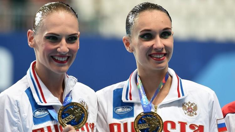 روسيا تفوز بذهبية السباحة الإيقاعية في كأس العالم للألعاب المائية (فيديو)
