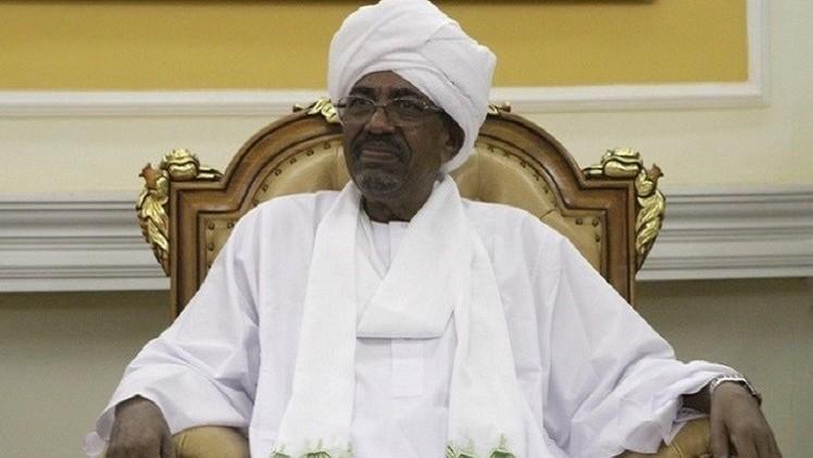 البشير يصل موريتانيا رغم مذكرتي اعتقال