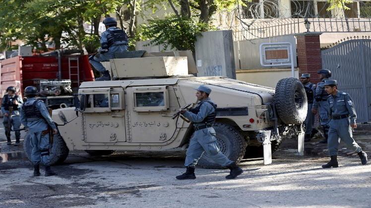 أفغانستان.. طالبان تسيطر على قاعدة للشرطة بعد استسلام حاميتها
