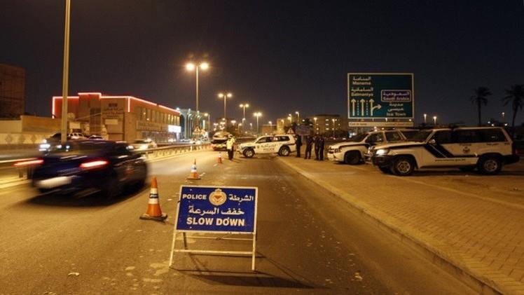 البحرين.. مقتل رجلي شرطة في تفجير بسترة واتهامات ضمنية لإيران (صور)