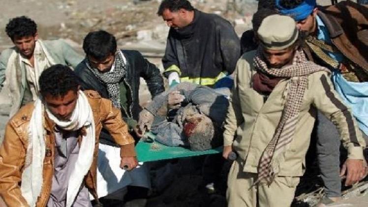 التحالف يسقط أسلحة في أبين والحوثيون يقصفون مواقع في نجران
